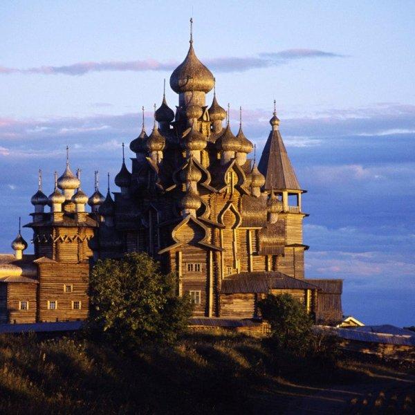 kiji Karelia kizhi Russie église bois visiter lieu inoubliable ile